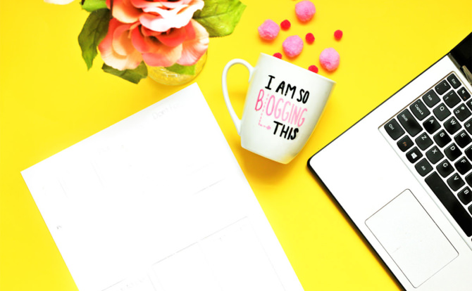 How to Start a Viral Blog as a New Blogger + Free Checklist!