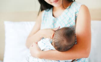 10 Powerful Lactation Aids For Breastfeeding Moms
