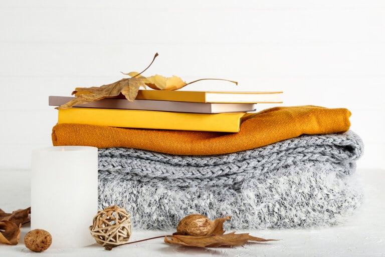 18 Fall Decor Ideas For a Cozy Feel